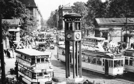 Primer semáforo de Siemens en la berlinesa Postdamer Platz